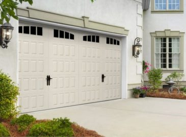 Legacy_Garage_Doors_Kelowna_Residential_Amarr_Oak_Summit-768x511@2x